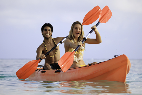 couple-kayaking-in-hawaii