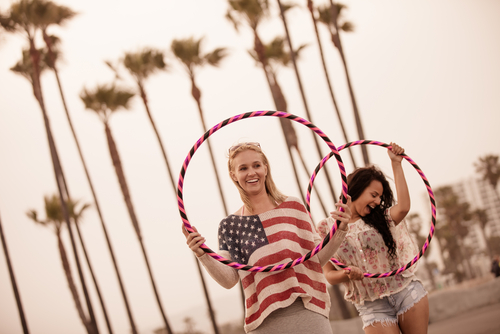 girls-with-hula-hoops