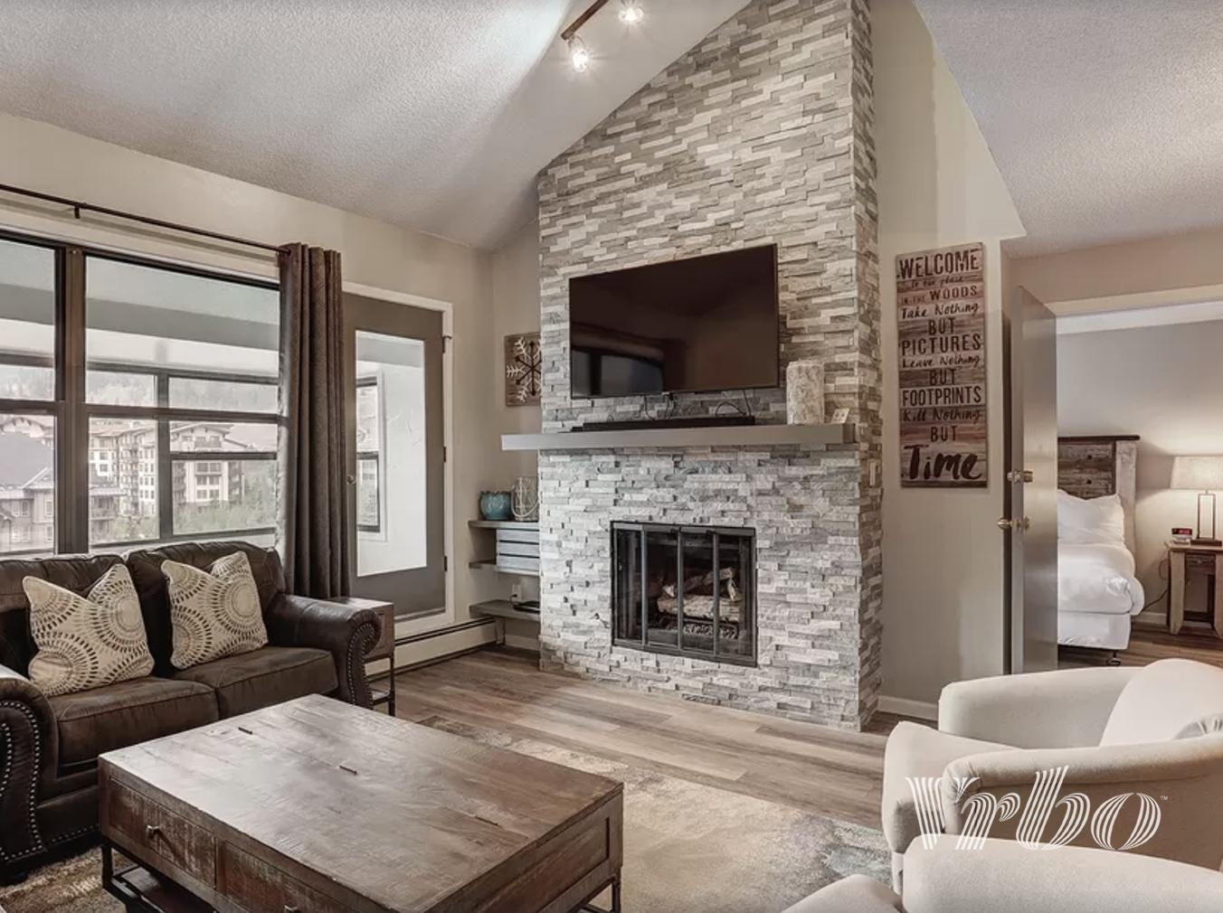 copper-mountain-condo-living-room