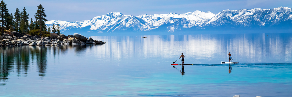 paddle-boarders-in-tahoe-during-winter