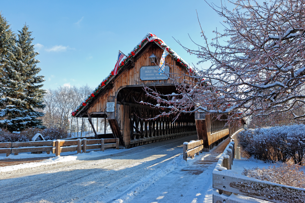 frankenmuth-bridge-with-snow