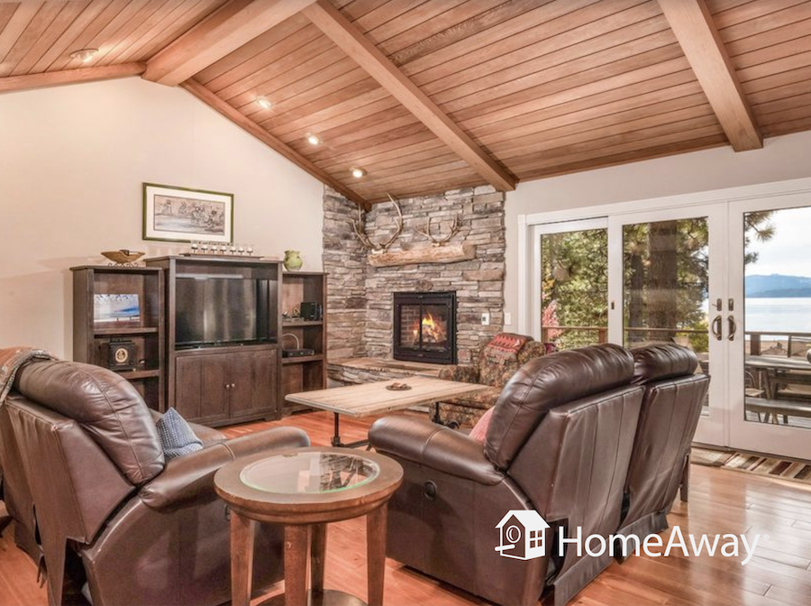 homeaway-lake-tahoe-living-room
