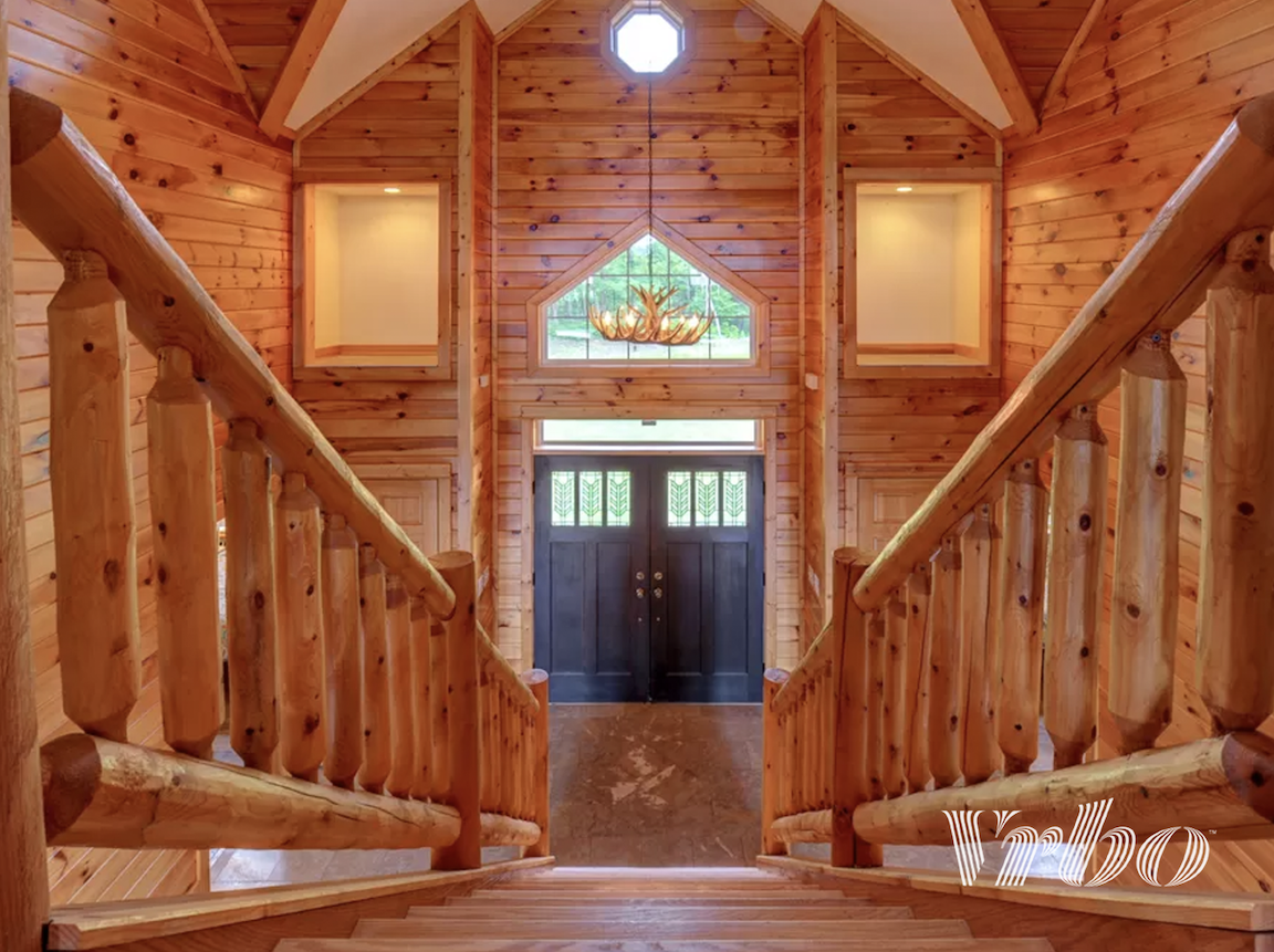 pocono-mountains-cabin-entryway