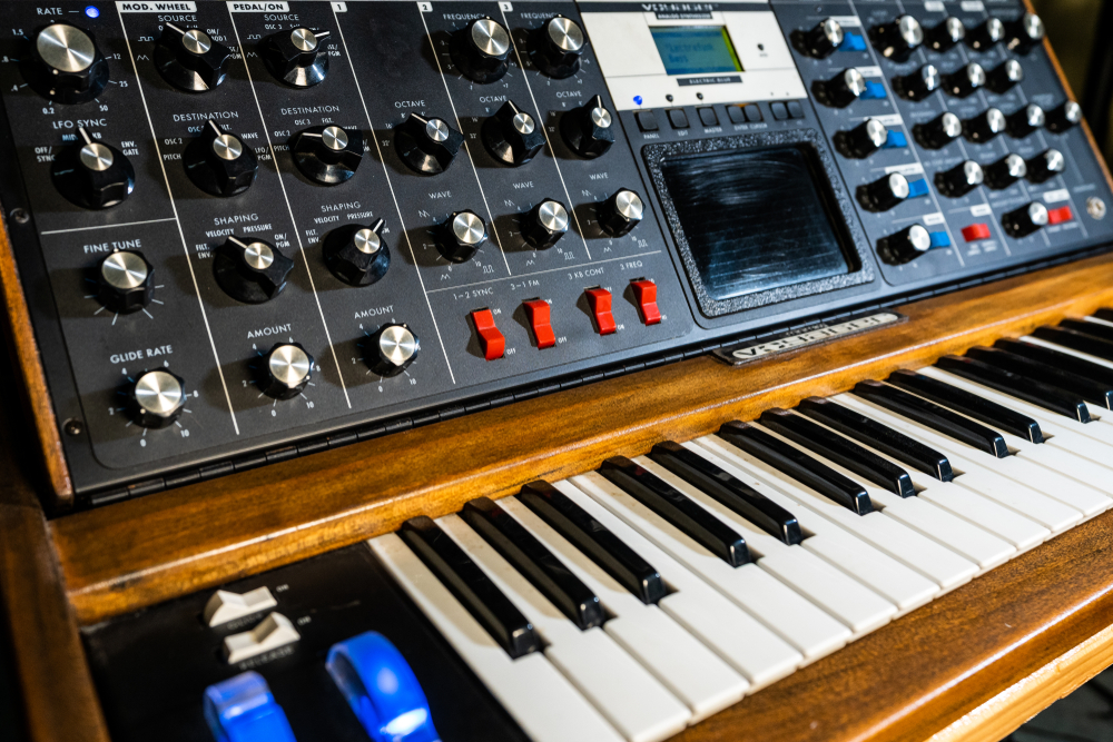 vintage-moog-synthesizer