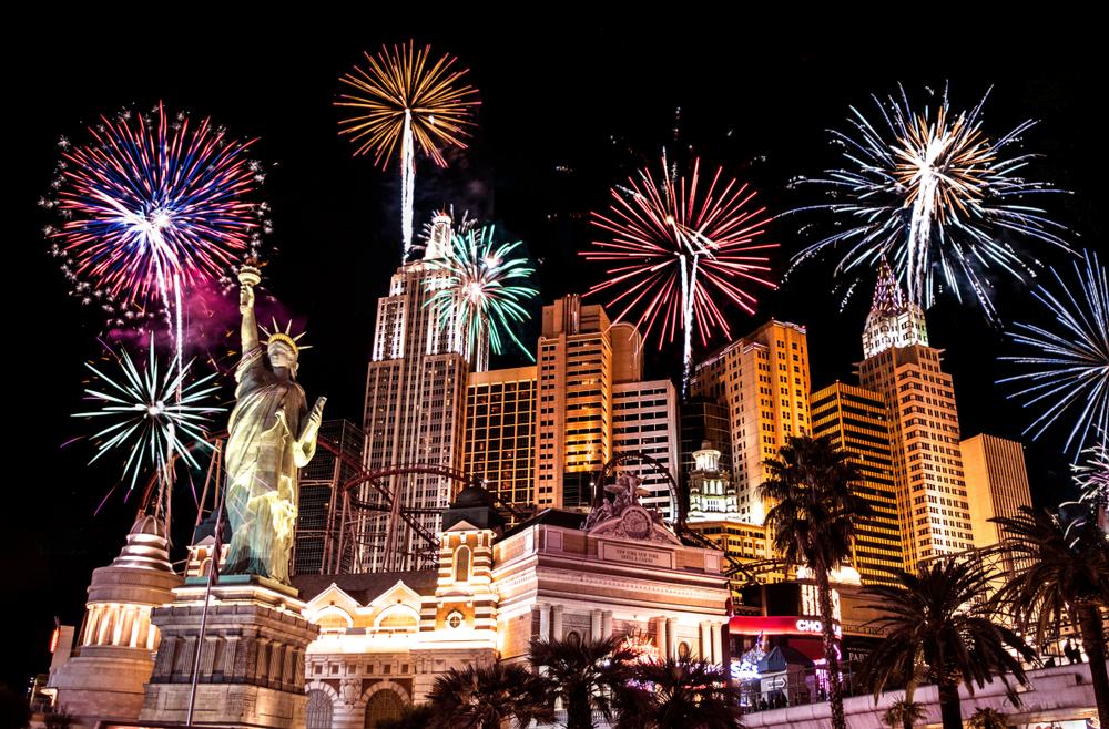 las-vegas-new-york-new-york-fireworks