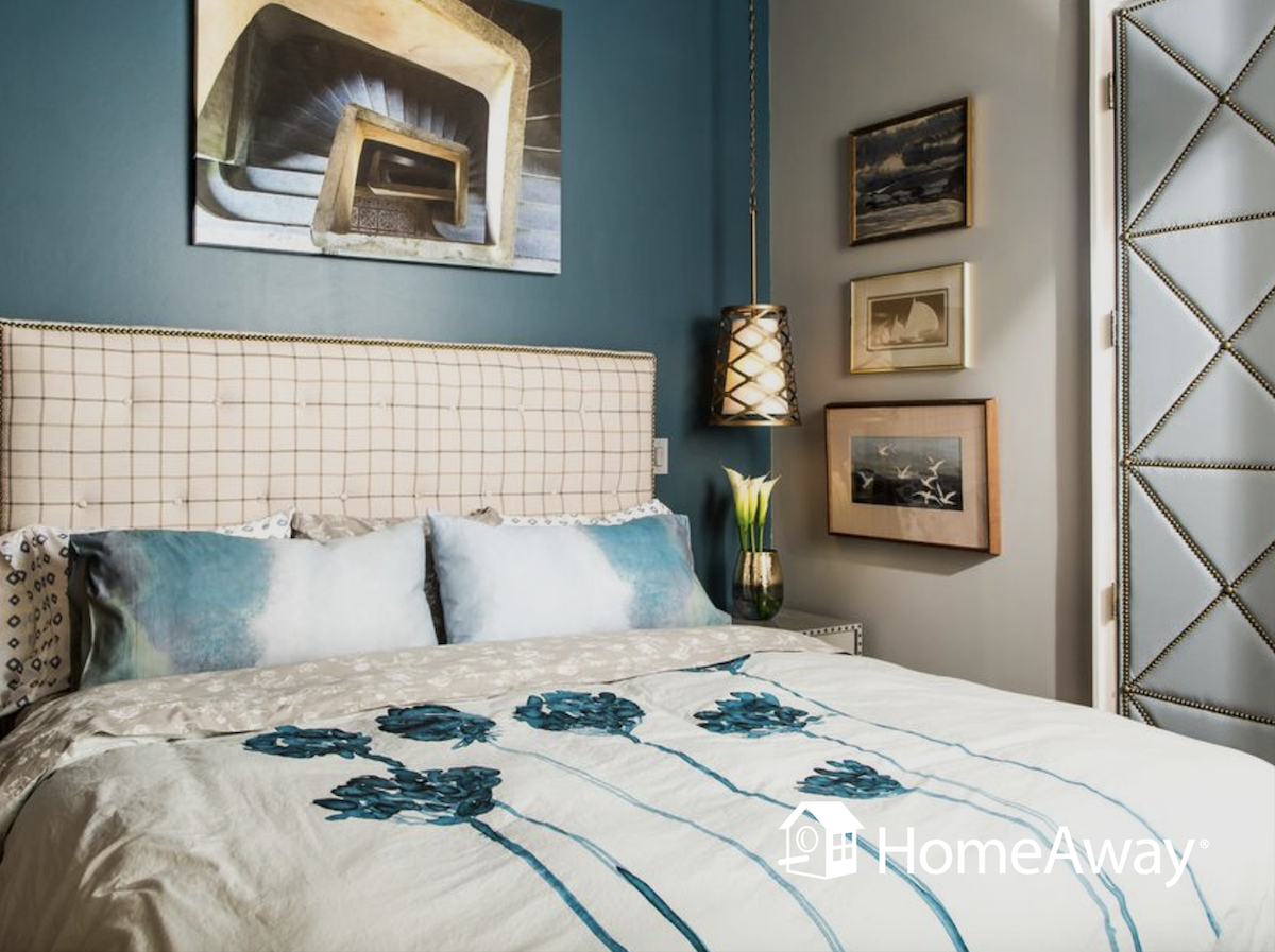 asheville-quirky-blue-bedroom