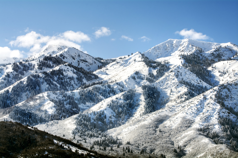 utah-mountains-with-snow