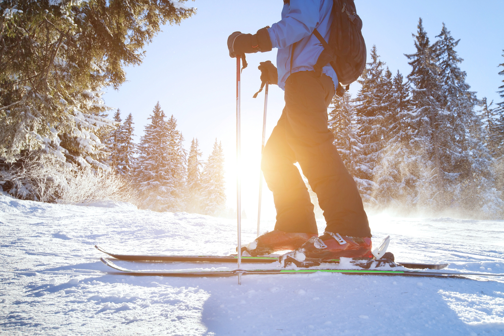 skier-with-sunlight