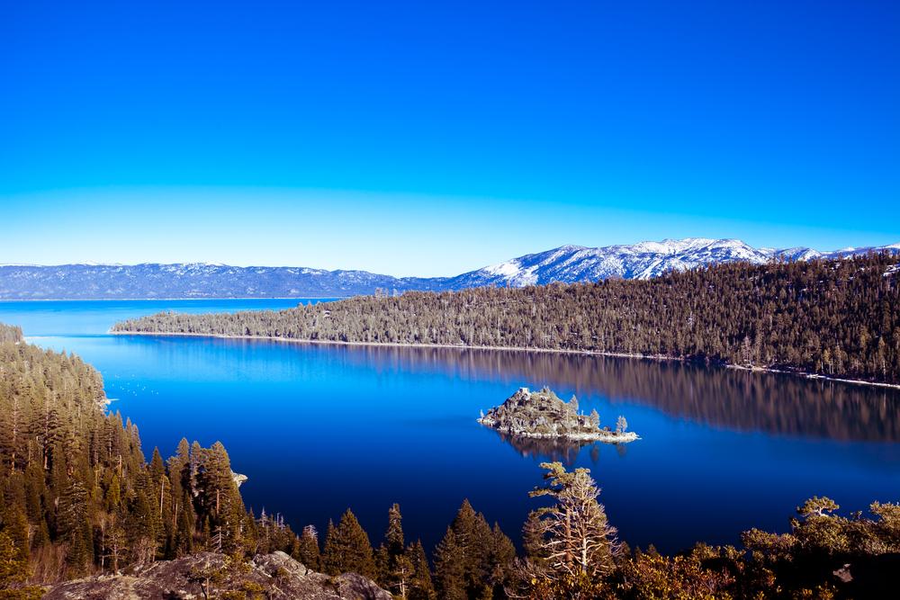 lake-tahoe-in-winter