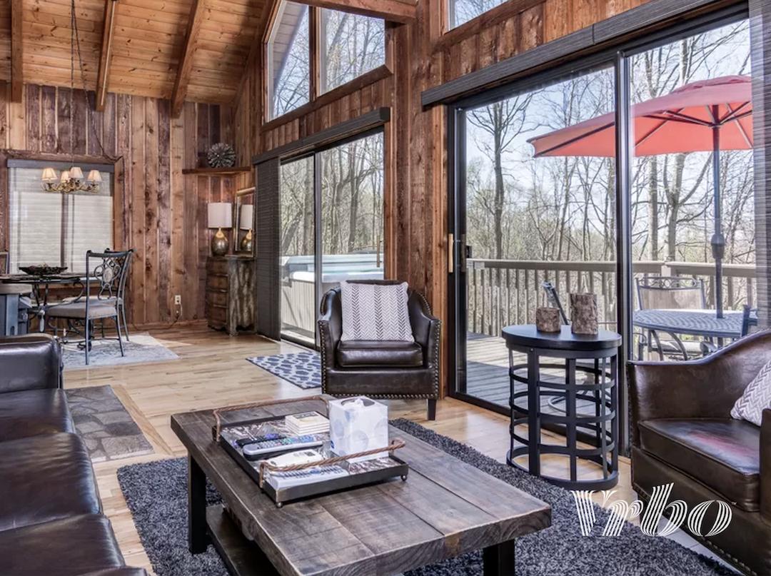 asheville-cabin-living-room