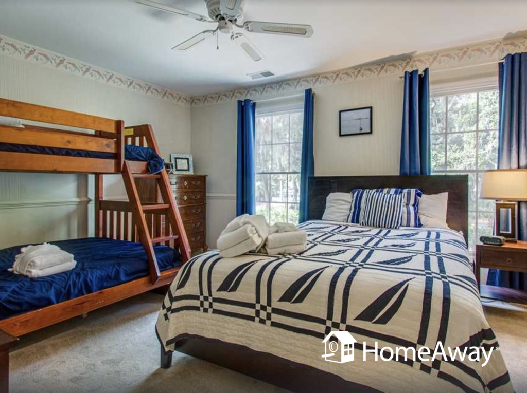 hilton-head-bedroom-with-bunks