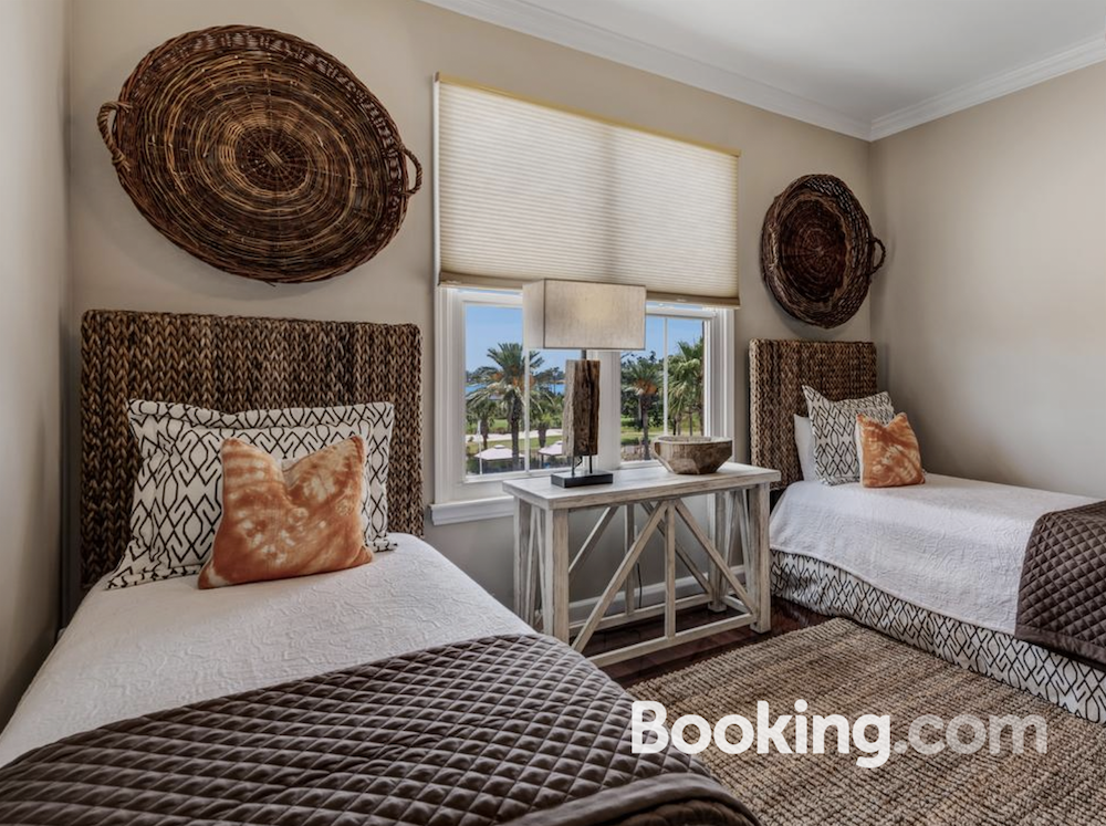 panama-city-beach-bedroom-tropical-decor