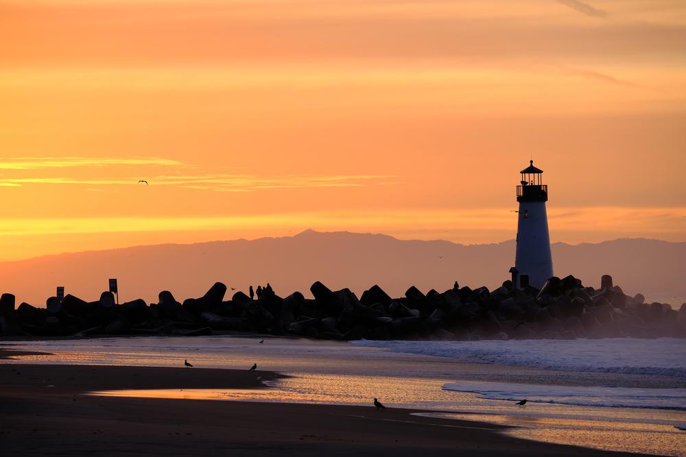 santa-cruz-sunset-lighthouse