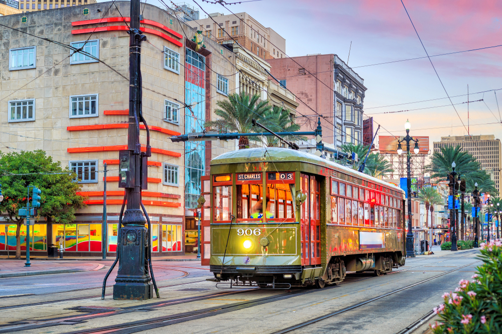 downtown-new-orleans-trolley-evening