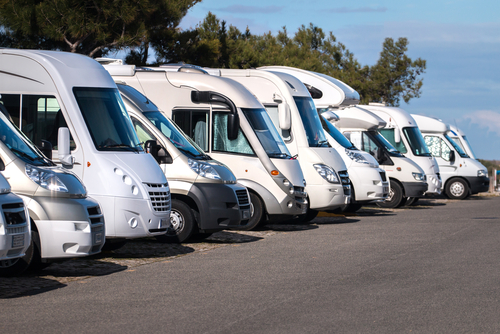 RVs-parked-in-a-row