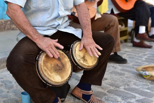 musicians-on-street