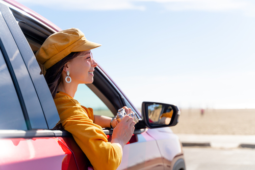 woman-sightseeing-in-car